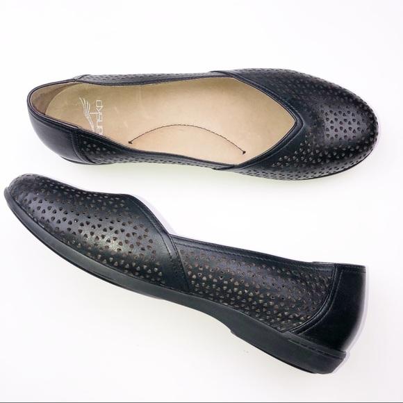 08f498568e Dansko Shoes - DANSKO Women Black Flats Shoes Sz 40 U.S 9.5-10